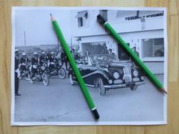 BMW 502 CABRIOLET VOITURE PRESIDENTIELLE ET MOTO BMW MOTARD GARDE REPUBLICAINE 1955 HAILE SELASSIE EMPEREUR D'ETHIOPIE - Auto's