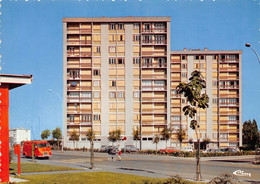 PONTOISE - Les Louvrais - Place De La Paix - Les Tours, Immeubles, HLM - Architectes R Ledieu & Henry Gauthier - Fourgon - Pontoise