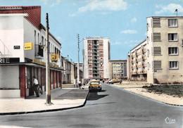 PONTOISE - Les Cordeliers - La Tour Et La Rue Fontaine - Boulangerie - Automobile - Immeubles, HLM - Pontoise