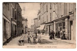 Ruffec La Rue De La Poste - Ruffec