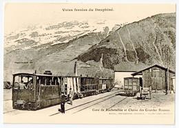 CPA 9 X 14 Isère Voies Ferrées Du Dauphiné Gare De ROCHETAILLEE Et Chaîne Des Grandes Rousses Train Wagons Motrice - Bourg-d'Oisans