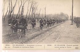 1914 BELGIQUE ECLAIREURS CYCLISTES FRANCAIS SE RENDANT A YPRES-BELGIE VERKENNERS FRANSE WIELRIJDERS OP WEG NAAR IEPER - War 1914-18