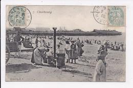 CP 50 CHERBOURG Env. La Plage ( Marchande Ambulante De Frites) - Cherbourg