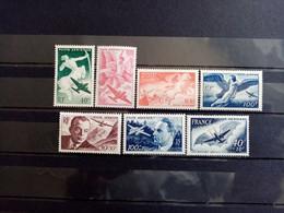 FRANCE.1946 à 1948. Poste Aérienne N° 16 à 23. 7 NEUFS SANS Charnières . Côte YT 2020 : 29,00 € - 1927-1959 Neufs