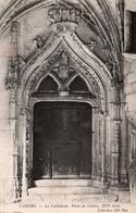 CAHORS ( 46 ) - La Cathédrale - Porte Du Cloitre - Cahors