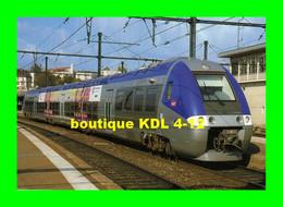 ART 187 - Automotrice Z 27589 En Gare - DIJON - Côtes D'Or - SNCF - Dijon
