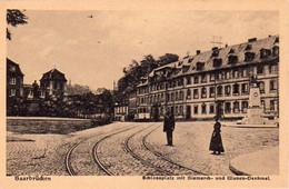 S47-032 Saarbrücken - Schlossplatz Mit Bismarck Und Ulanen-Denkmal - Saarbruecken