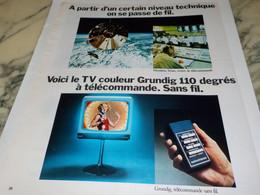 ANCIENNE  PUBLICITE TV COULEUR TELECOMMANDE SANS FIL DE GRUNDIG 1974 - Televisione