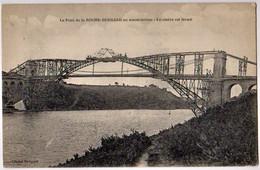 LA ROCHE BERNARD - Le Pont ... En Construction, Le Cintre Est Fermé - CPA TBon Etat (voir Scan) - La Roche-Bernard
