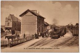 LA ROCHE BERNARD - La Gare - LOCOMOTIVE, ATTELAGE - CPA TBon Etat (voir Scan) - La Roche-Bernard