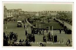 Ref 1432 - Early Rel Photo Postcard - Bus & Crowd - Gardens & Promenade - Barry Island Glamorgan Wales - Glamorgan
