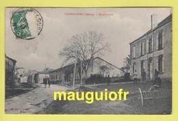 DJ / 55 MEUSE / VAUBECOURT / LE VILLAGE ET LA GENDARMERIE NATIONALE / ANIMÉE / 1913 - Altri Comuni