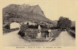 CPA - Bugarach - Entrée Du Village - Le Monument Aux Morts - Other Municipalities