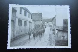Rare Octobre 1943 Alsace Marlenheim  Réunion Des Membres Locaux Du Parti  Sonntagdienst Im Neuen - War, Military