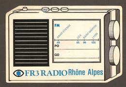 AUTOCOLLANT ADHÉSIF STICKER - FR3 FR 3 RADIO RHONE ALPES - St ÉTIENNE 88 FM - GEX 95 FM - St MARTIN 96 FM - LYON 100 FM - Stickers