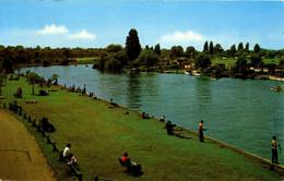 SURREY - WALTON ON THAMES - THE RIVER  Sur558 - Surrey