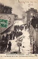 AY En CHAMPAGNE -51- REVOLUTION EN CHAMPAGNE - AVRIL 1911 - Une Barricade Dans Les Rues Les Ets Geldermann En Feu - Ay En Champagne