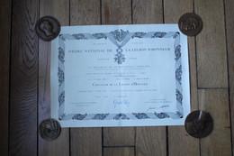Diplôme De La Légion D'Honneur Daté De 1978  Pour Un Colonel - Diplomi E Pagelle