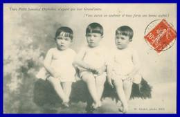 Trois Petits Jumeaux Orphelins N'ayant Que Leur Grand'mère - Triplés - 3 Enfants - Bébés - Photo CLOUET - 1909 - Inconnu - Neonati