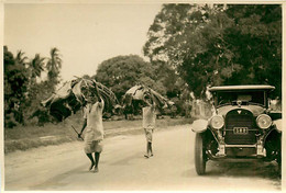 231120A - PHOTO Années 1920 - TANZANIE ZANZIBAR Transport Feuille De Palmier ? - Tanzania