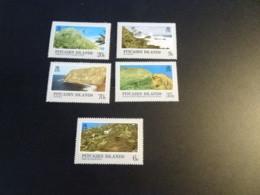 K33635 -set MNH  Pitcairn Islands 1981 - SC. 198-202 - Views - Islas De Pitcairn