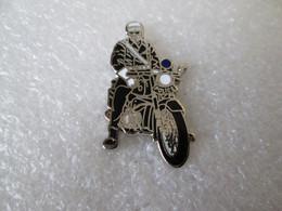 PIN'S    Moto  Police    Email De Synthèse  DEHA - Motorfietsen