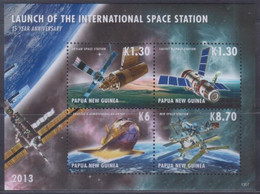 Papua New Guinea 2013 Launch Of The International Space Station Sheetlet MNH - Papoea-Nieuw-Guinea