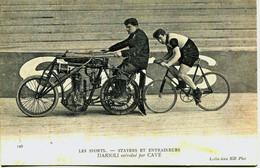 13023 - CYCLISME :STAYERS Et ENTRAINEURS  -  DARIOLI Entrainé Par CAVé  - GROS PLAN  - Velo Courreur Course Sport - Cycling