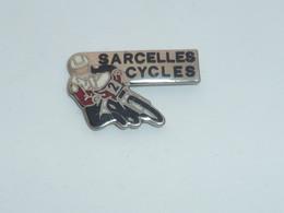 Pin's MOTARD, SARCELLES CYCLES - Motorfietsen