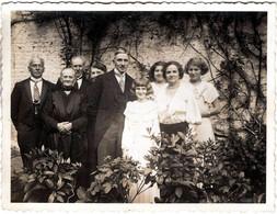 Photo Originale Portrait De Famille Pour La Communion De Solennelle De Colette, à 10 Ans Un 12.05.1935. - Personnes Identifiées