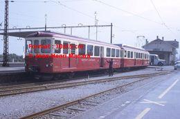 Reproduction D'une Photographie D'un Train MC Martigny-Chatelard à Crémaillère En Gare En Suisse En 1968 - Riproduzioni