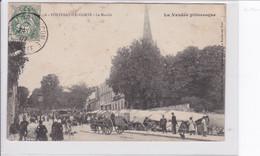 FONTENAY-LE-COMTE  *  Le Marché  -  CPA En Bon état - Fontenay Le Comte