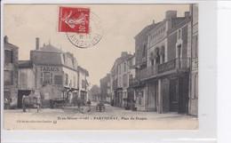 PARTHENAY  *  Place Du Donjon  -  CPA En Bon état - Parthenay
