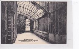 PARTHENAY  *  Institution Notre-Dame De La Couldre (la Galerie Couverte)  -  CPA En Bon état - Parthenay