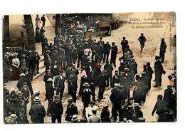 DOUAI      - La Place CARNOT - Bateliers Et Affreteurs Un Jour De Marché D'affrétement- Editeur J. GHISLAIN - Douai