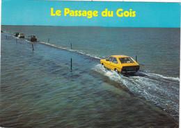 """85. ÎLE DE NOIRMOUTIER. CPSM. """" VOITURE RENAULT 17"""" AU PASSAGE DU GOIS RECOUVERT PAR LES EAUX. ANNEE 1982 + TEXTE - Ile De Noirmoutier"""