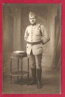 CARTE PHOTO - MILITARIA 1914 1918 - MILITAIRE 9 ème RÉGIMENT - FOURRAGERE - Photographie
