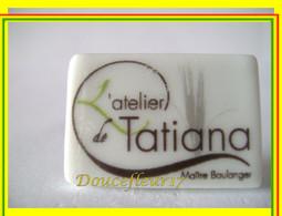 Clamecy ... Atelier TATIANA... Série Complète 2 Fèves ...Ref AFF : 52-2011 - Olds