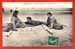 41. - BERCK-PLAGE - Une Idylle De Pêcheurs Sur La Plage De Berck - Berck