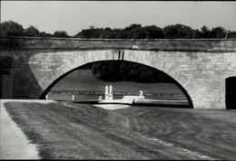 PARC D'un CHÂTEAU Vers 1980 Grande Photo Par Alain Aubert - Lieux