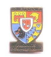 FF293 Pin's Armoiries ROBERT DANIEL Haute Loire écusson Blason Saint-Christophe-sur-Dolaison Dolaizon Achat Immédiat - Città