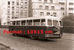 Reproduction D'une Photographie D'un Ancien Bus Chausson Ligne 285 Avec Une Publicité Nicolas Côte Du Rhône - Riproduzioni
