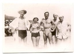 Photo Originale , Group En Maillot De Bain , Dim. 8.5 Cm X 5.5 Cm - Anonieme Personen