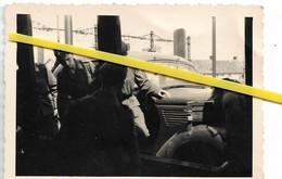 91 001 BRETIGNY GARE CHARGEMENT AUTO SUR WAGON SOLDATS ALLEMANDS 1940 / 1944 - Bretigny Sur Orge