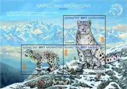 Kazakhstan 2017.Block.Snow Leopard. The Red Book Of Kazakhstan. - Felinos