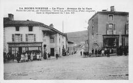 La Roche Vineuse Place Avenue De La Gare Café De L'Union Canton Mâcon Combier Denojean - Otros Municipios
