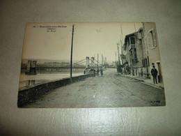 Carte Postale Rhone Neuville Sur Saone Le Pont Animée - Neuville Sur Saone