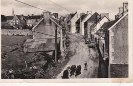 Carte Postale SCRIGNAC: L'arrivée Venant De La Gare. - Sin Clasificación