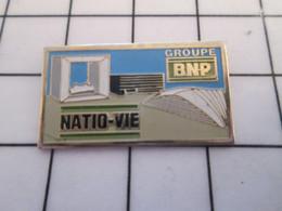 2120 Pin's Pins / Beau Et Rare / THEME : BANQUES / La Recordman Des Amendes ! GROUPE BNP NATIO-VIE - Banks