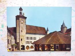 Martel En Quercy Le Beffroi De Raymondie Et Les Halles - Other Municipalities